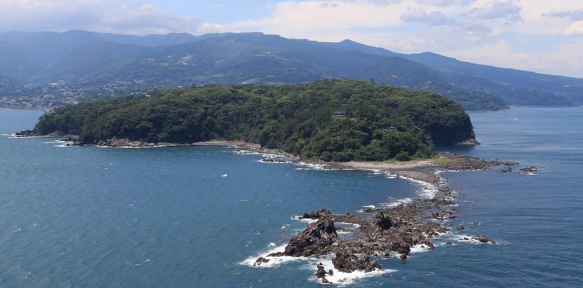 Erős földrengés Japán partjainál - krónika