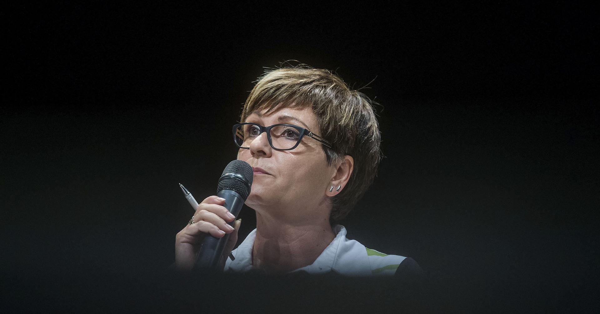 Kálmán Olga feljelentést tesz kémszofver-ügyben