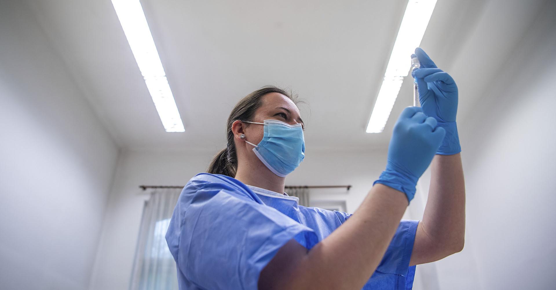 Dr. Rusvai Miklós: Ha kismama lenne a lányom, akkor mindenképpen kérném, hogy oltassa be magát