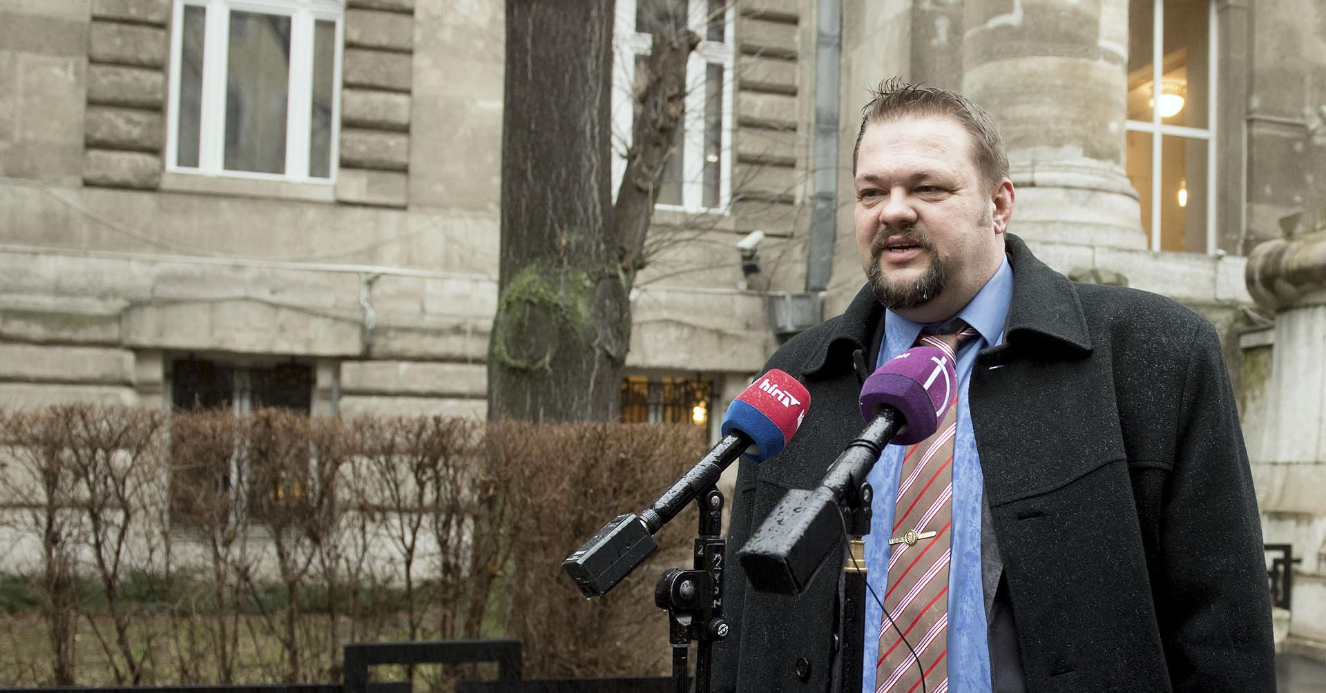 Indítja a Jobbik a judapestező Bíró Lászlót, az ellenzék szó nélkül rábólíntott