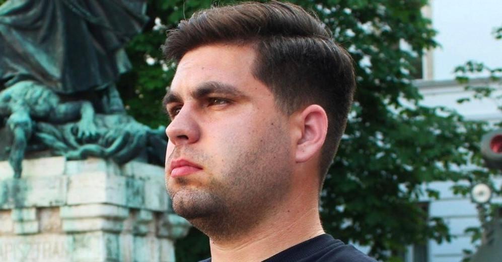 Fehér európaiak életteréért aggódó szélsőjobbos aktivistából a kormányközeli keresztény portál főszerkesztői székébe